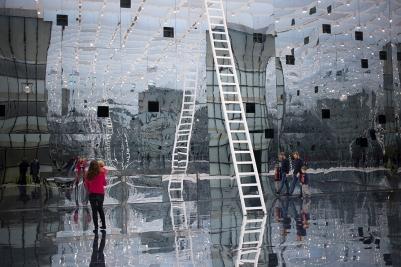 dani-karavan-reflection-muzeum-slaskie-katowice-wystawowe-zwierze-art-blog-2