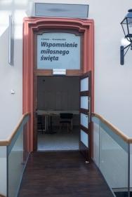 Moda slubna w PRL Muzeum Pana Tadeusza we Wroclawiu Wystawowe Zwierze (1)
