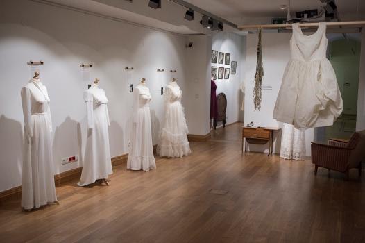 Moda slubna w PRL Muzeum Pana Tadeusza we Wroclawiu Wystawowe Zwierze (18)