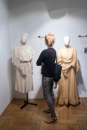 Moda slubna w PRL Muzeum Pana Tadeusza we Wroclawiu Wystawowe Zwierze (3)