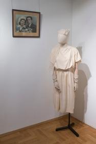 Moda slubna w PRL Muzeum Pana Tadeusza we Wroclawiu Wystawowe Zwierze (4)